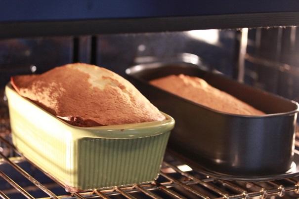 Poundcake Sundae in oven