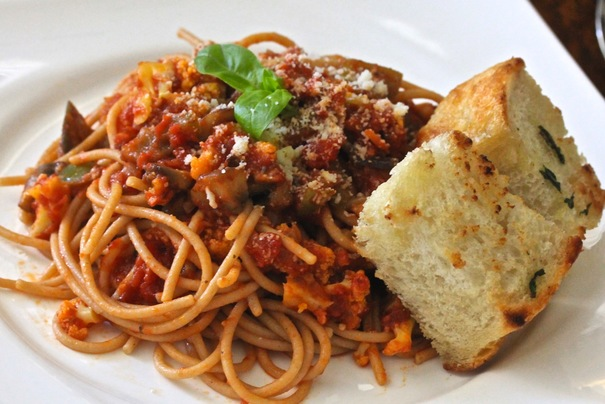 Vegetarian Spaghetti sauce with Whole Wheat Pasta on Americas-Table.com